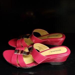 Merona Women Slip On Sandals Sz 7.5